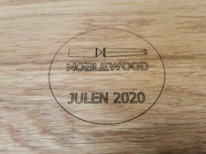 Logo med speciel undertekst